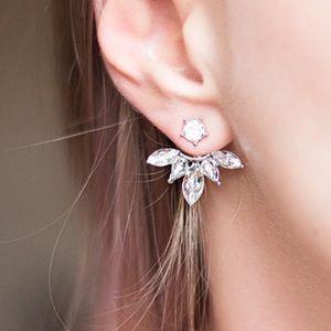 Jewelry - HOST PICK 🌸 FINAL PRICE 🌟Cuff Clip leaf earring